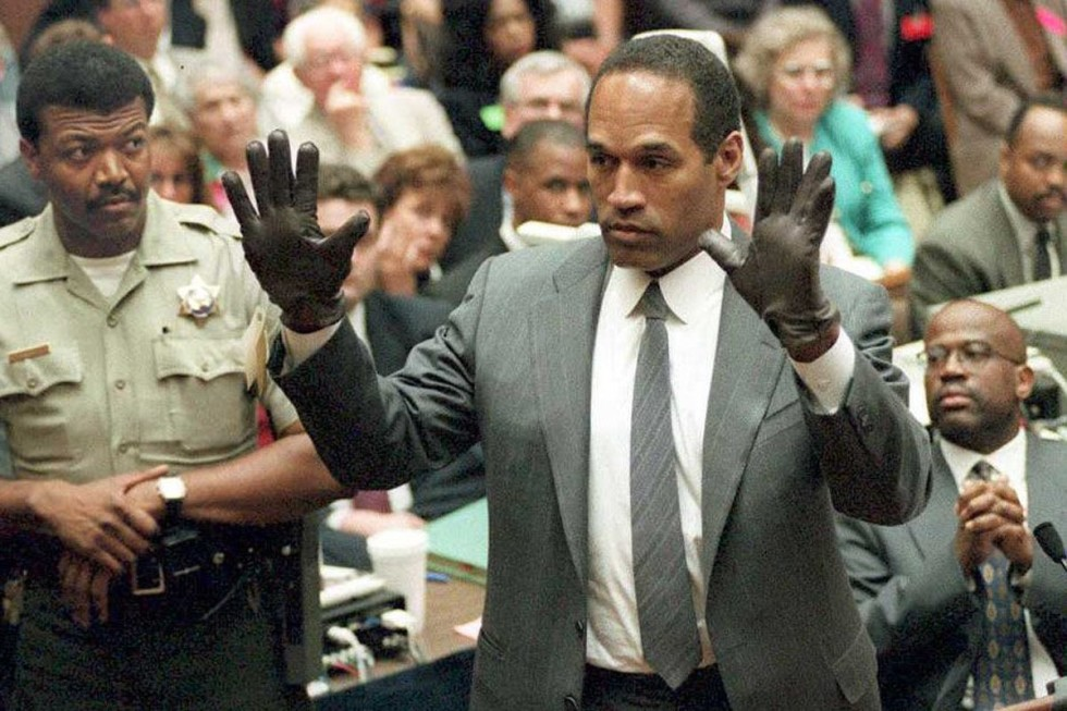 OJ-Simpson-Trial-Glove-Fitting
