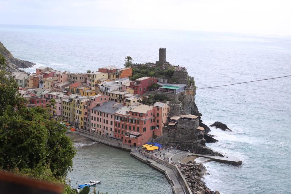 ... Cinque Terre på skolresa när jag var yngre (12-13 år) men då gick vi  mellan två andra byar. En liten lättare vandring promenad till skillnad från  den vi ... 6305898186766