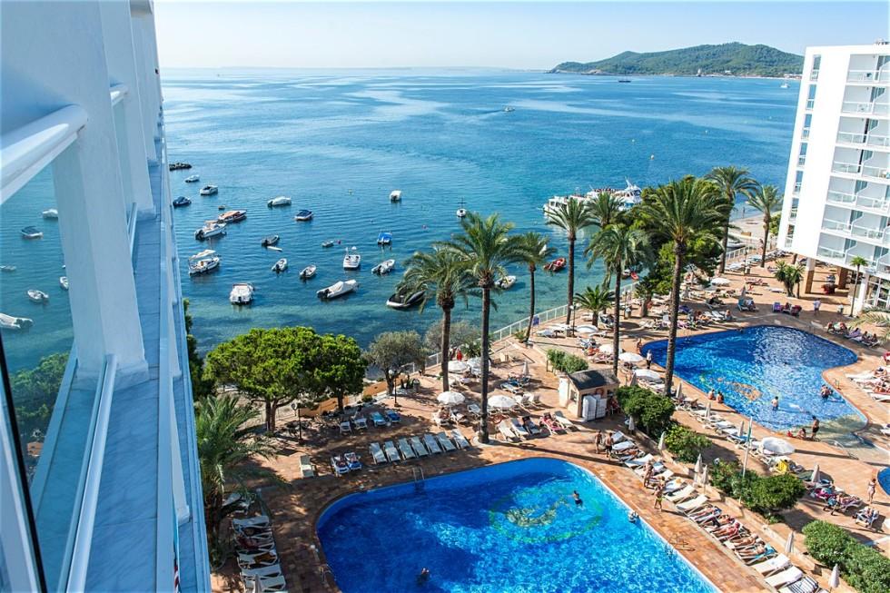 gallery_spain-ibiza-playa-d-en-bossa-sirenis-hotel-goleta-spa_pool_0252270